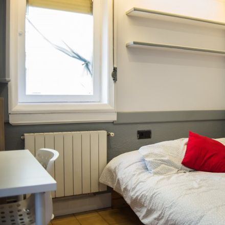 Rent this 2 bed apartment on Carrer del Consell de Cent in 414, 08007 Barcelona
