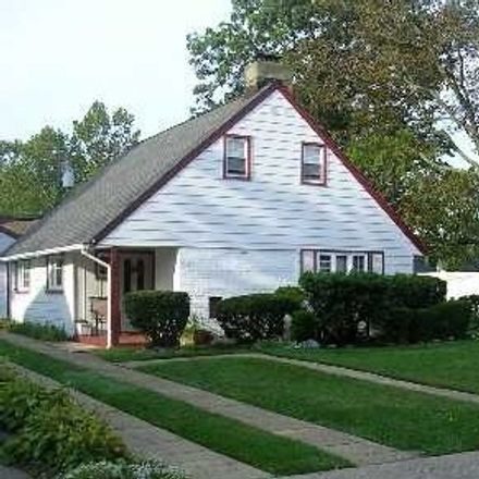 Rent this 3 bed house on 2376 Madison Drive in East Meadow, NY 11554