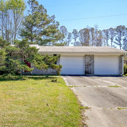 Rent this 3 bed house on 7814 Ginger Lane in North Charleston, SC 29420