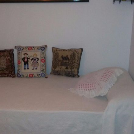 Rent this 3 bed room on Calle Elda in 28001 Madrid, Spain