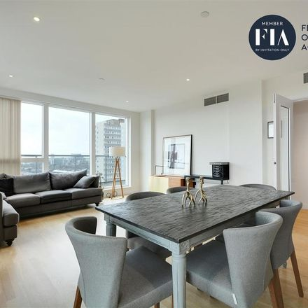 Rent this 3 bed apartment on Cornish House in Pump House Crescent, London TW8 0DE