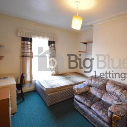 Rent this 4 bed house on Back Brudenell Grove in Leeds LS6 1HS, United Kingdom