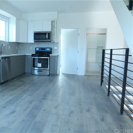 Rent this 3 bed duplex on Burbank Blvd in North Hollywood, CA