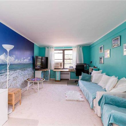 Rent this 2 bed condo on 92nd Street in New York, NY 11373