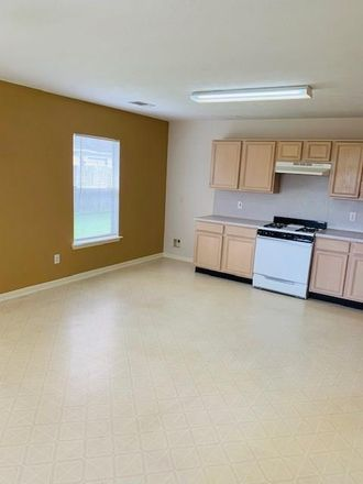 Rent this 3 bed house on 1719 Oxford Green Ct in Fresno, TX