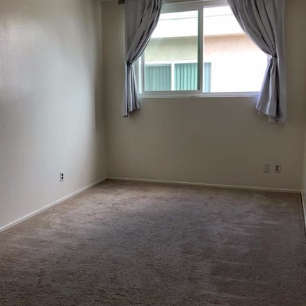 Rent this 3 bed townhouse on 1452 Yale St in Santa Monica, CA 90404