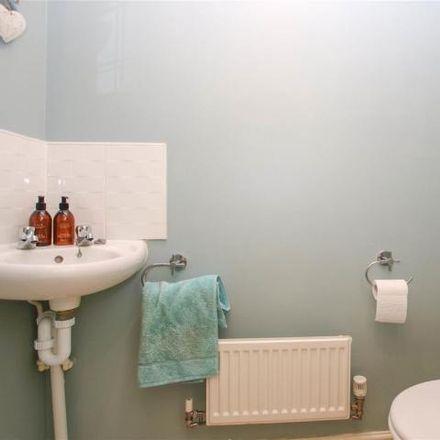 Rent this 2 bed house on Chelsea Road in Aylesbury HP19 7BG, United Kingdom