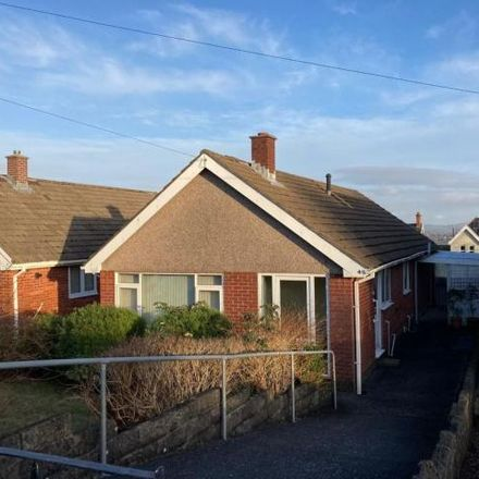 Rent this 3 bed house on Heol Eirlys in Morriston SA6 6HA, United Kingdom