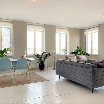 Rent this 2 bed apartment on Emmy Andriessestraat 344 in 1087 LS Amsterdam, Netherlands