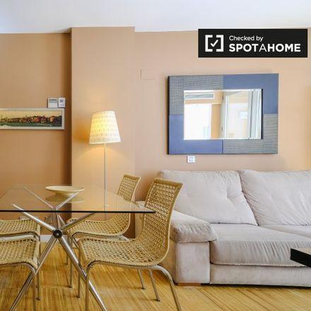 Rent this 2 bed apartment on Marfil in Calle del Conde de Romanones, 13