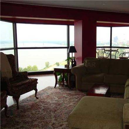 Rent this 1 bed condo on Riverside Dr in Memphis, TN