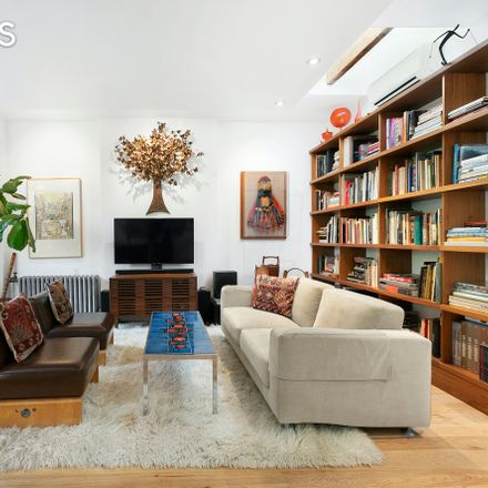 Rent this 5 bed apartment on 152 Underhill Avenue in New York, NY 11238