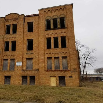 Rent this 37 bed townhouse on Broadstreet Ave in Detroit, MI
