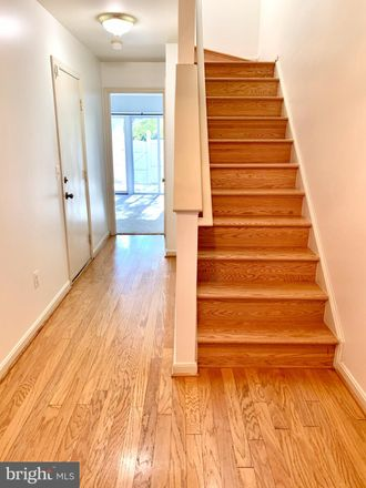 Rent this 3 bed townhouse on 12054 Edgemere Circle in Reston, VA 20190