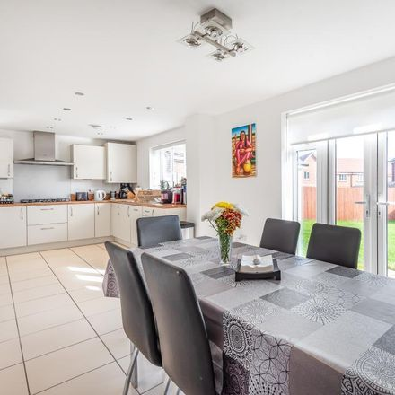 Rent this 5 bed house on 120 Morland Gardens in Vale of White Horse OX14 5GD, United Kingdom