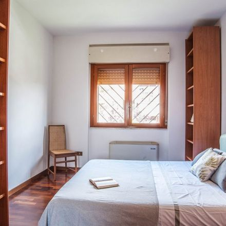 Rent this 3 bed room on 00143 Rome RM