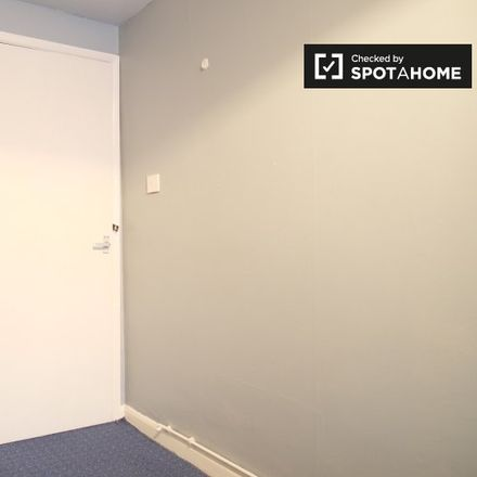 Rent this 3 bed apartment on 334 Kennington Park Road in London SE11 4PP, United Kingdom