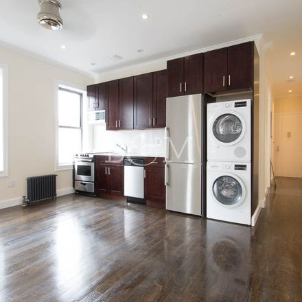 Rent this 3 bed apartment on 1031 Lorimer Street in New York, NY 11222
