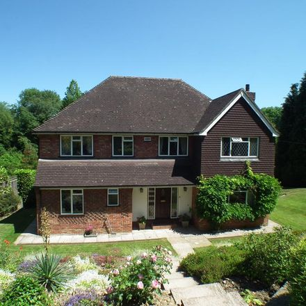 Rent this 5 bed house on Oakhill Road in Sevenoaks TN13 1NS, United Kingdom
