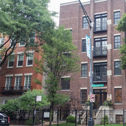 Rent this 5 bed condo on West Diversey Parkway in Chicago, IL 60614