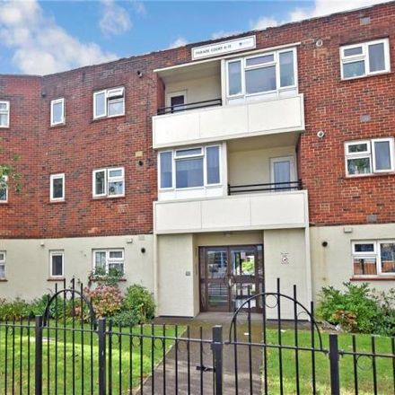 Rent this 1 bed apartment on Hilsea News Centre in London Road, Portsmouth PO2 9RB