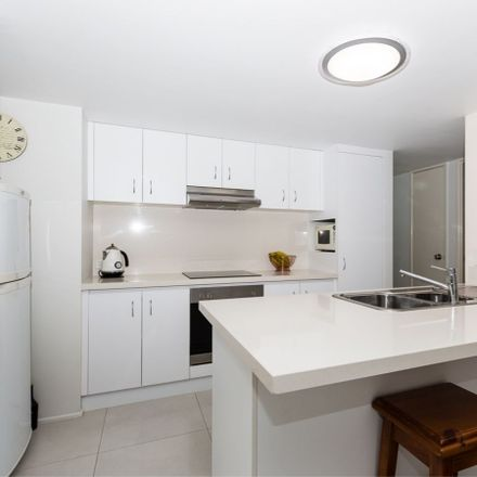 Rent this 2 bed apartment on 215/2 Keem Street