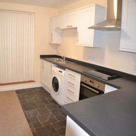 Rent this 2 bed apartment on Co-op Food in 54-55 The Broadway, Thatcham RG19 3HX