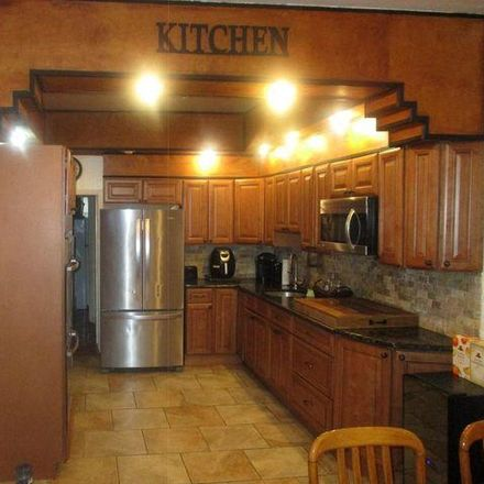 Rent this 3 bed condo on 3733 North 6th Street in Philadelphia, PA 19140