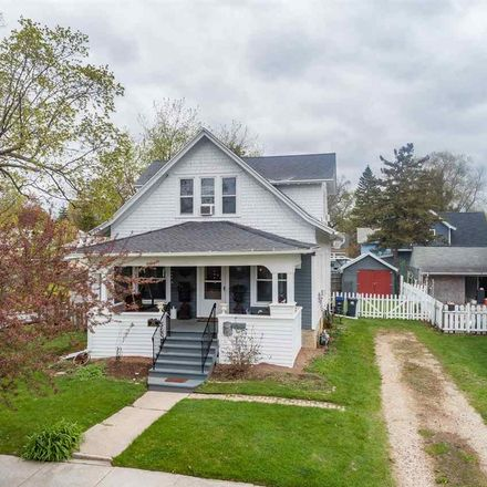 Rent this 3 bed house on 205 5th Street in Neenah, WI 54956