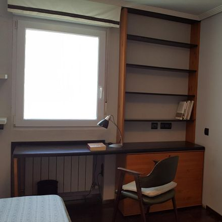 Rent this 3 bed room on Calle Caroli in 28001 Madrid, Spain