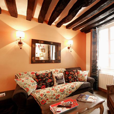 Rent this 1 bed apartment on Nina Kendosa in Rue du Chat Qui Pêche, 75005 Paris