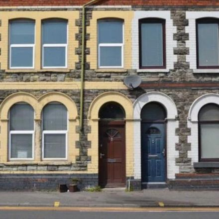 Rent this 3 bed apartment on Set in Penarth Road, Cardiff