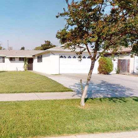 Rent this 3 bed house on 4907 East Platt Avenue in Fresno, CA 93727