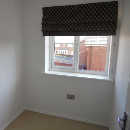 Rent this 3 bed house on Sanderling Way in Nottinghamshire NG19 0GL, United Kingdom
