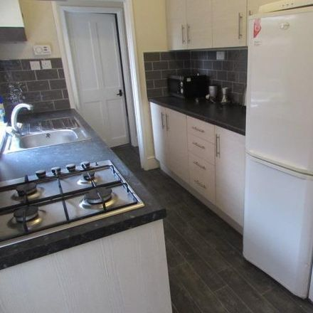 Rent this 5 bed house on BJ Chemists in Gulson Road, Coventry CV1 2HZ