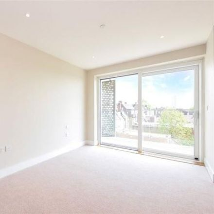 Rent this 2 bed apartment on Northway House in 1379 High Road, London N20 9LN
