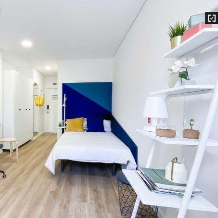 Rent this 16 bed apartment on Av. Colégio Militar