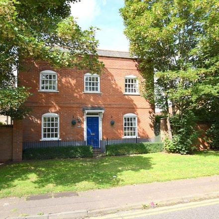 Rent this 4 bed house on Hedgerows in Colchester CO3 0GJ, United Kingdom