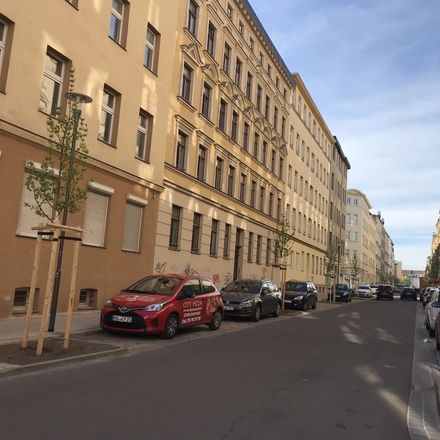 Rent this 2 bed apartment on Thomasiusstraße 5 in 06110 Halle (Saale), Germany