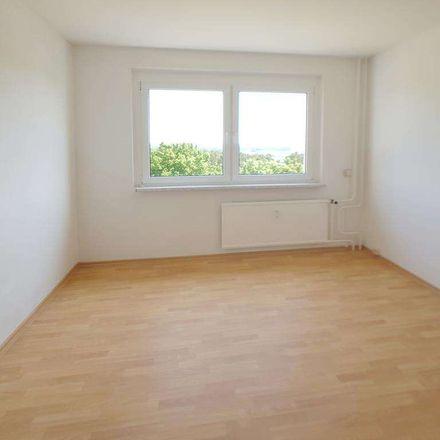 Rent this 3 bed apartment on Rasgrader Straße 14 in 17034 Neubrandenburg, Germany