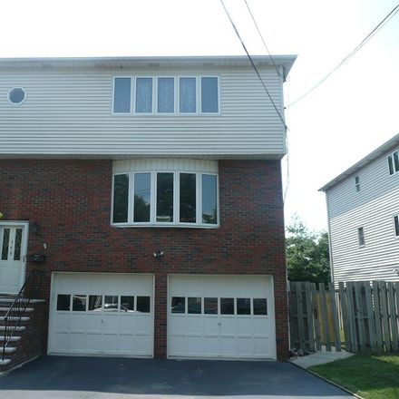 Rent this 3 bed house on 2nd Ave in Garwood, NJ