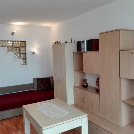 Rent this 2 bed room on Osiedle Kosmonautów 2 in 61-001 Poznań, Polska