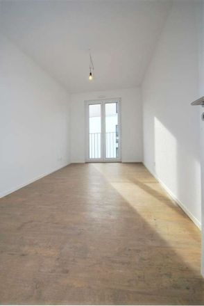 Rent this 3 bed apartment on Marta-Worringer-Straße in 53177 Bonn, Germany
