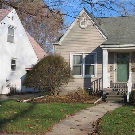 Rent this 3 bed house on 22910 Oakwood Avenue in Eastpointe, MI 48021