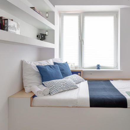 Rent this 3 bed room on Błogosławionego Czesława in 50-124 Wroclaw, Poland