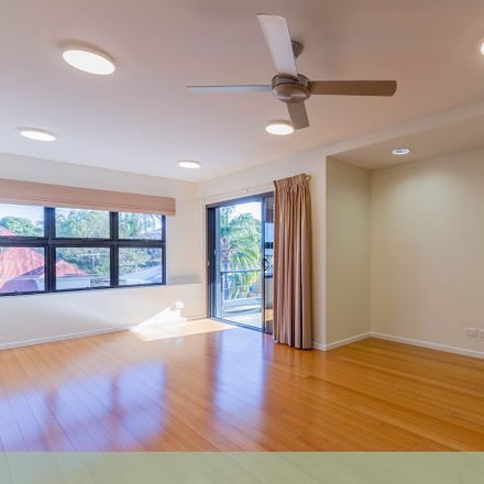 Rent this 2 bed apartment on 9/34-36 Clarence St