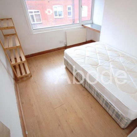 Rent this 8 bed house on Manor Drive in Leeds LS6 1DD, United Kingdom