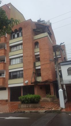 Rent this 4 bed apartment on Calle 31 in Zona Refrescante, 681004 Floridablanca