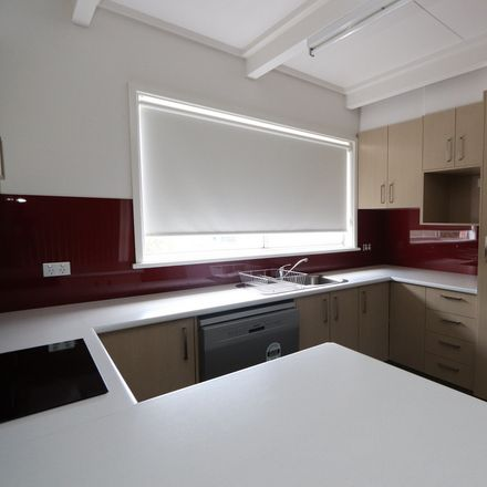 Rent this 2 bed apartment on 6/50-52 Urabatta Street