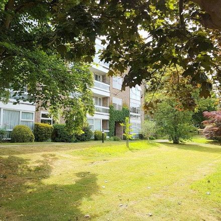 Rent this 1 bed apartment on Sunningdale in Hardwick Green, London W13 8DN